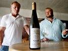 Svoje jméno propůjčuje Karel Roden vínům Tomáše Vicana (vpravo) už celých devět...