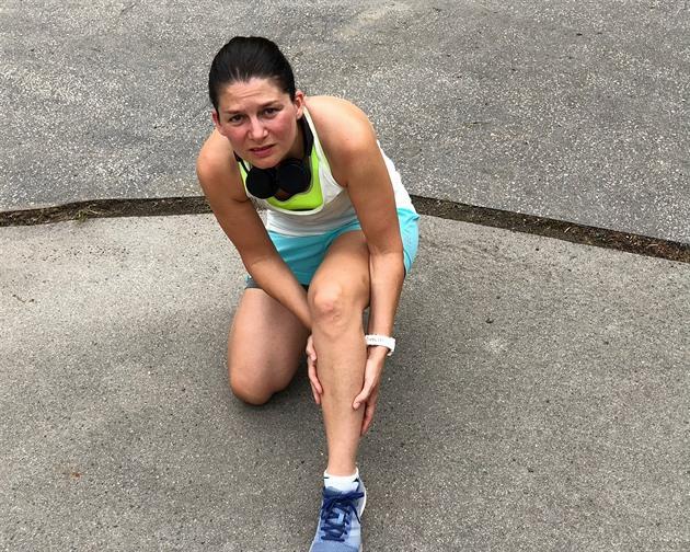 Častým problémem běžců jsou křeče. Jde o bolestivý stav, který