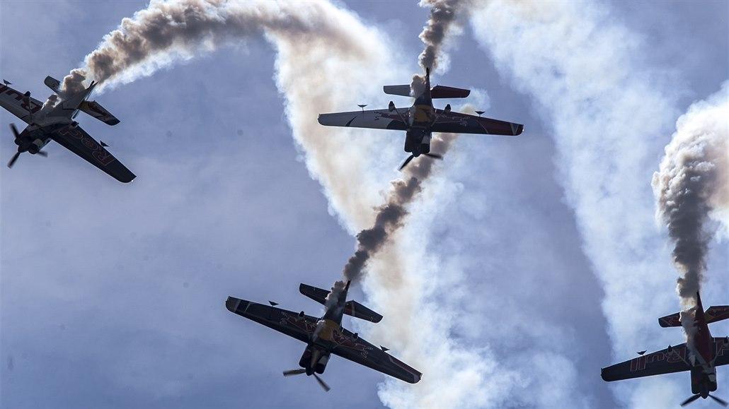 Šonka i legendy mezi letadly. V Pardubicích se chystá Aviatická pouť