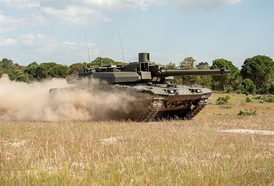 EMBT je hybrid mezi tanky Leopard 2 a Leclerc