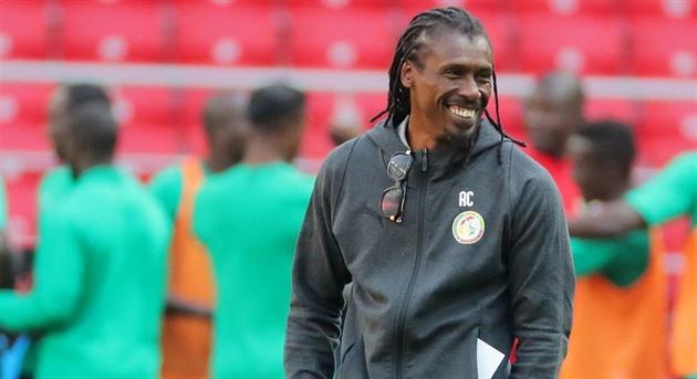 Africké čekání. Více našich trenérů, žádá si kouč fotbalistů Senegalu