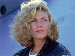 Kelly McGillisová ve filmu Top Gun (1986)
