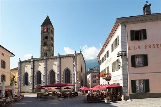 Zastávka číslo 8: Poschiavo – dominantou centra je staletý hotel Albrici...