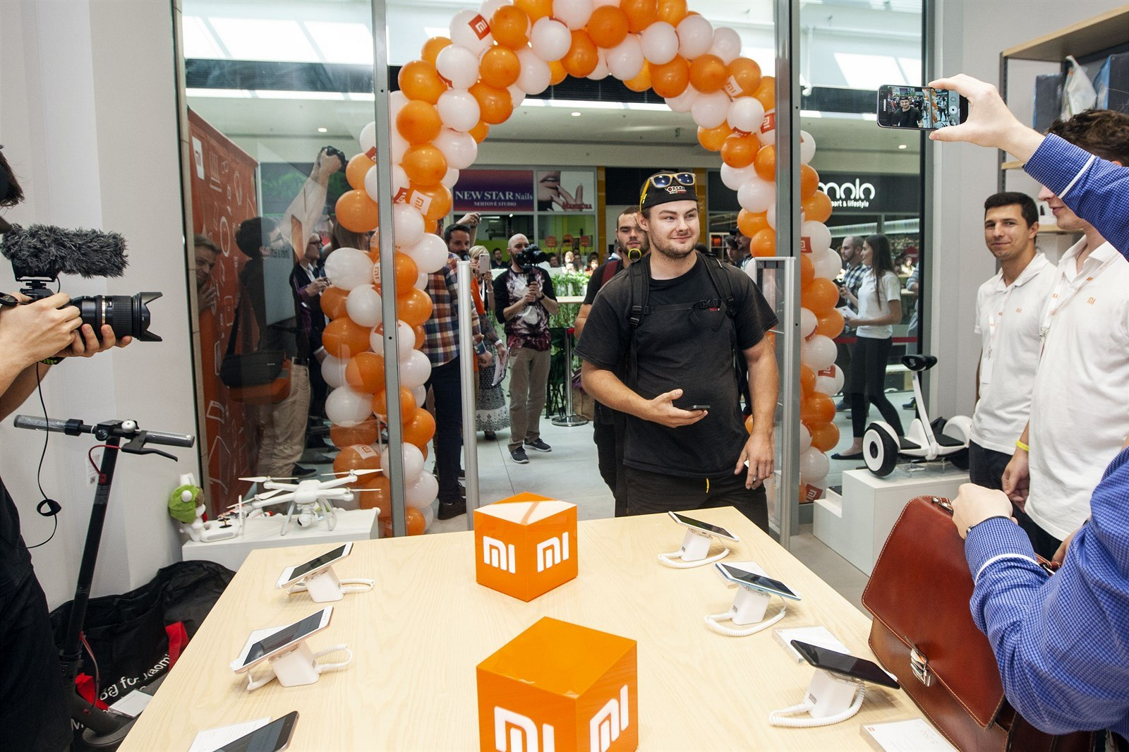 767d7dab32d1f Otevření obchodu Xiaomi v olomouckém obchodním centru Galeria Šantovka