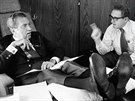 Nixon a Kissinger v prezidentském letounu Air Force One