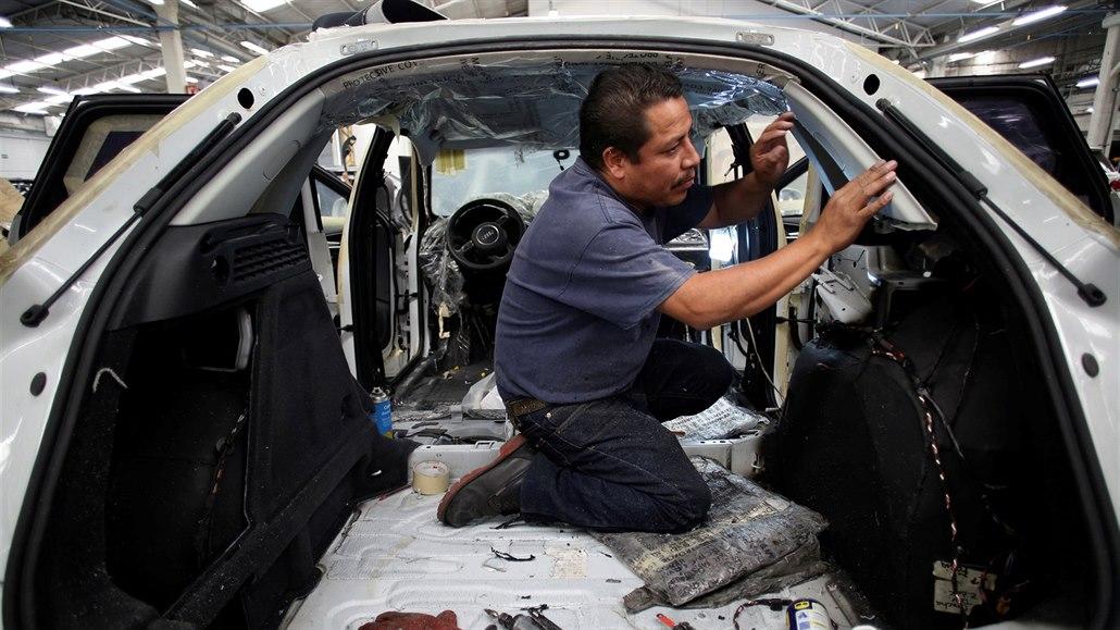 Lamborghini či Mercedes. Mexická vláda draží auta zabavená zločincům