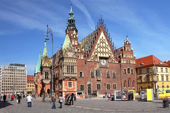 Gotická radnice je jednou znejkrásnějších památek Vratislavi.