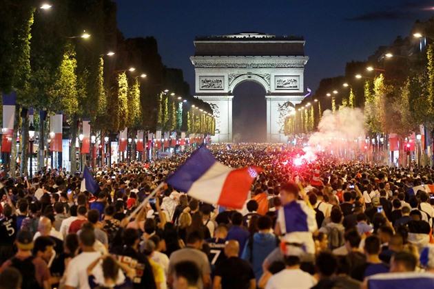 Výsledek obrázku pro francie oslavy, fotbal ms paříž