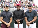 Stephen Curry, Ray Allen a Dell Curry (zleva) na golfovém turnaji American...