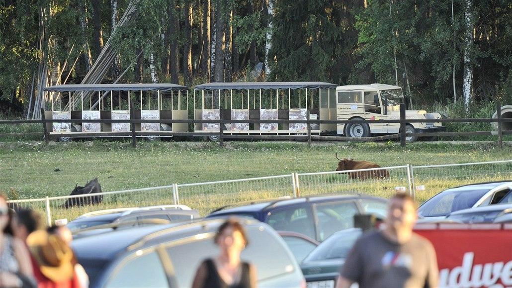 Při nehodě výletního vláčku se zranilo šest cestujících, z toho čtyři děti