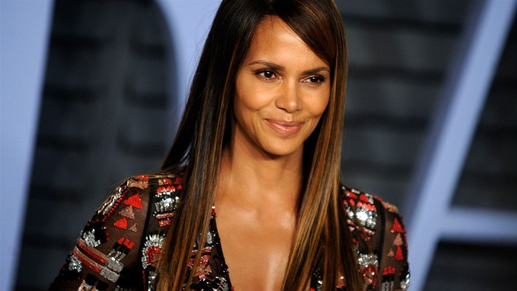 Halle Berry na party časopisu Vanity Fair (4. března 2018)