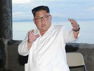 Severokorejský vůdce Kim Čong-un na inspekci rozestavěného hotelu na severu...