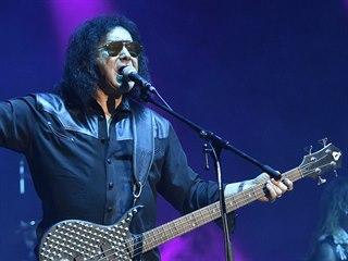 Zpěvák a baskytarista kapely Kiss Gene Simmons 15. července 2018 na festivalu...