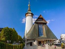 Také kostel v Zakopaném zasvěcený odkazu Panny Marie zFatimy navštěvuje kolem...