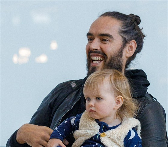 Russell Brand s dcerou Mabel