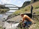 Vlivem sucha a snižování hladiny řeky Labe vystoupily hladové kameny.