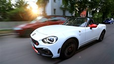 Alfa Romeo Spider 2000 vs. Abarth 124 Spider