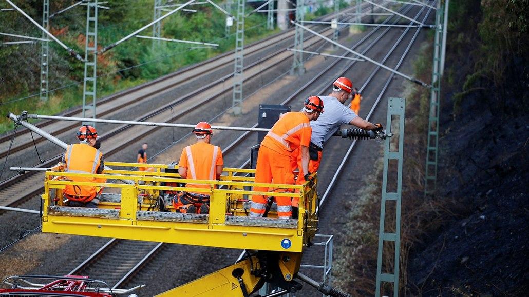 Nákladní auto strhlo trolej, mezi Brnem a Vyškovem nejezdí vlaky