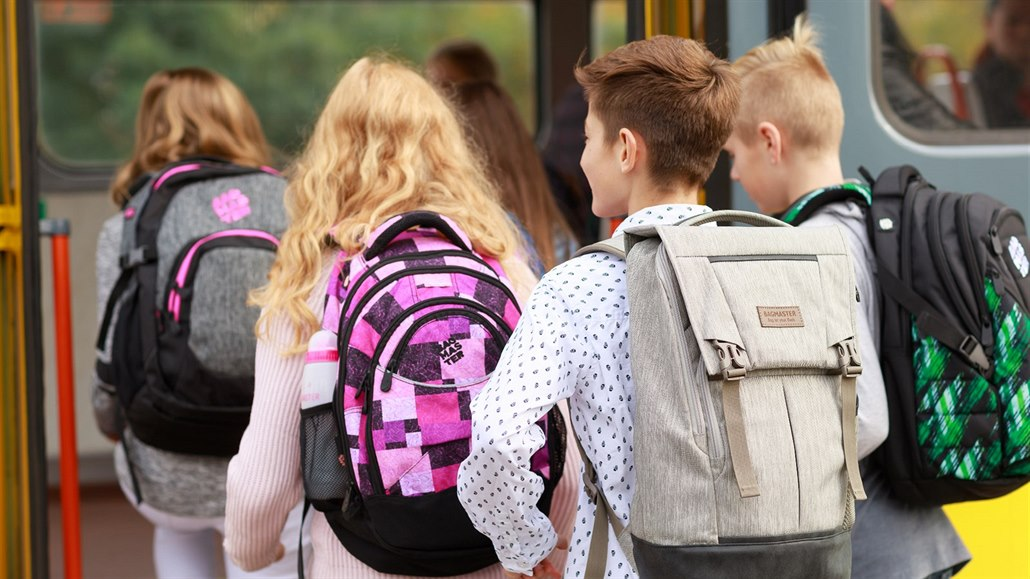 73115f3b4b2 Výběr školního batohu není věda - ale jen