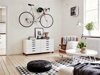 Takto si představují mladí ideální bydlení: záclony nejsou potřeba, kolo jako...
