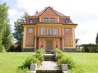 Vila v Liberci vyrostla v letech 1926-1929 v zahradě mezi dnešní Husovou a...