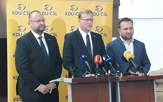 2fa1c18f4da Šéf lidoveckých poslanců Jan Bartošek