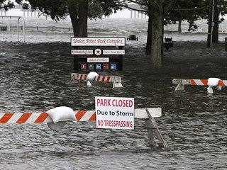 Zaplavený park Union Point v městě New Bern.