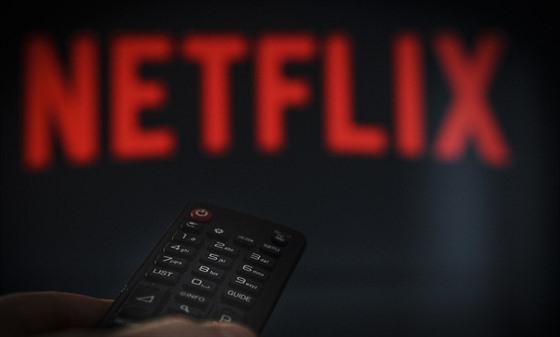 reality datovania ukazuje na Netflixspiace psy datovania mod