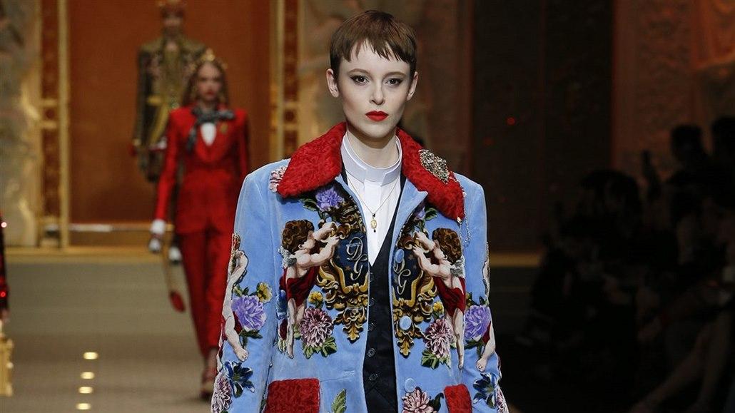 c6e217ecb10 Módní trendy podzim zima 2018 - Dolce   Gabbana dokonce navrhli ...