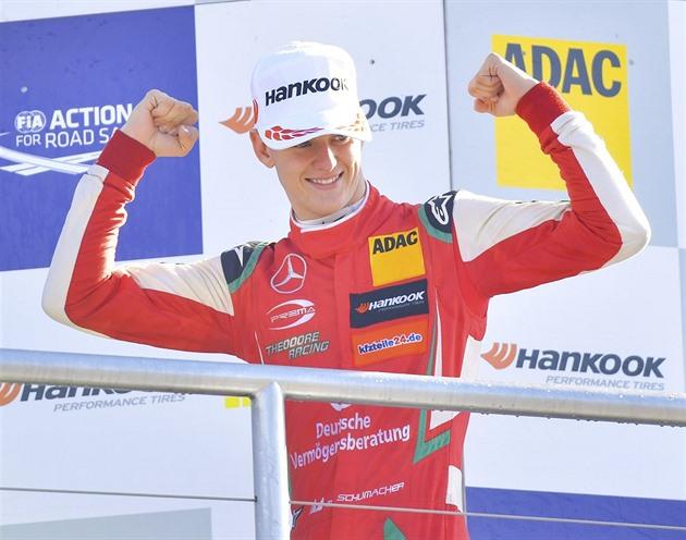 Un mare pas către un viitor mare? Ferrari îl are pe Schumacher. Cel mai tânăr