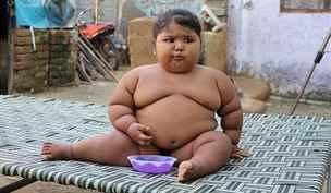 Kvůli extrémní chuti k jídlu váží roční holčička čtyřiadvacet kilo