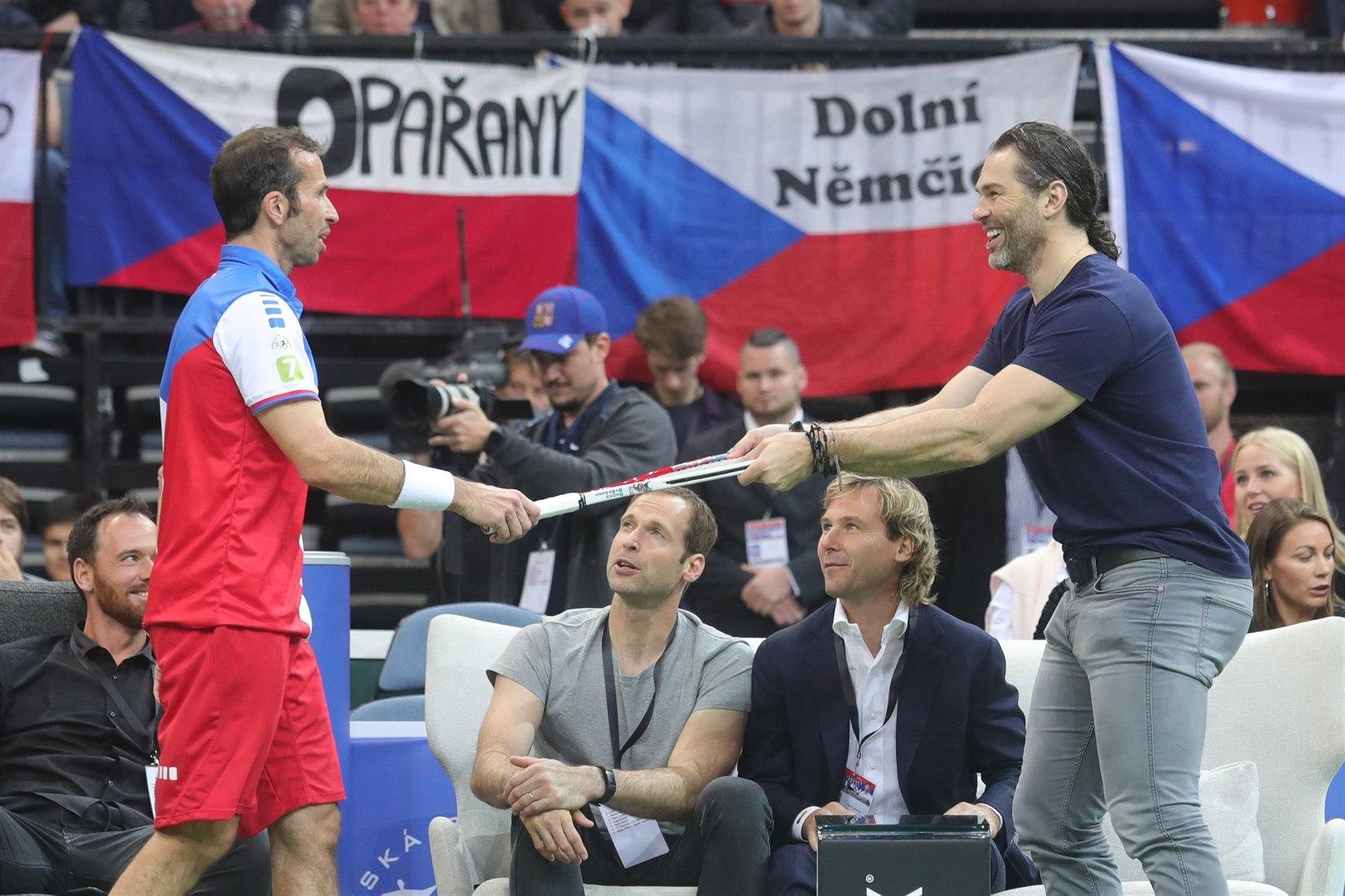 Výsledek obrázku pro český lev se loučí