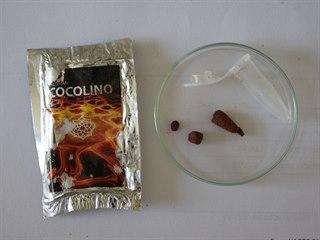 Syntetická droga v těchto sáčcích s nápisem cocolino je životu velmi nebezpečná.
