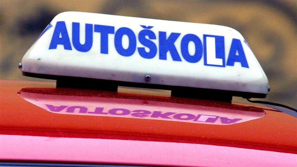 Počet pokusů o řidičák bude omezený, propadlíci budou autoškolu opakovat