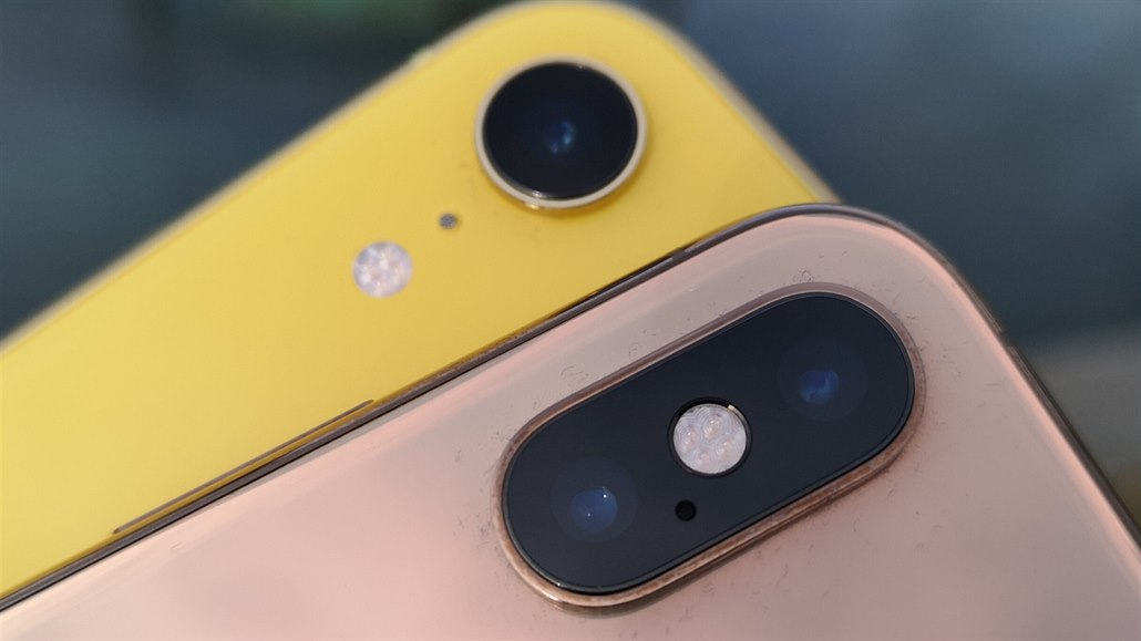 Apple iPhone XR a XS Max