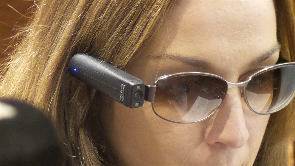 Speciální kamerka pro slabozraké i slepé má pomoci s orientací ve světě