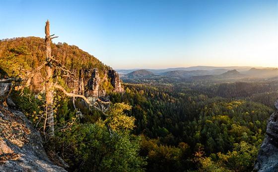 NP Saské Švýcarsko. Fotografujte panoramata, do jednoho záběru tak dostanete...