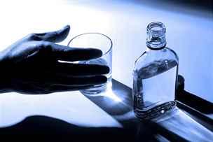 Mýty o alkoholismu: závislý patří do léčebny a poznáte ho na první pohled