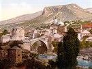 Mostar. Kolorovaná fotografie pochází z konce 19. století.