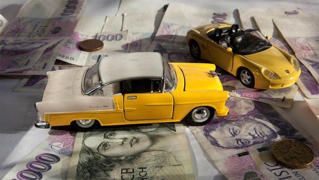 Zavinil nehodu, škodu nenahlásil. Jak získat peníze za poničené auto?