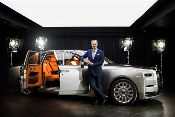 Giles Taylor v dobách, kdy byl šéfdesignérem značky Rolls-Royce