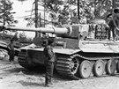 Němci dávali pozor, aby do spojeneckých rukou Tiger nepadl.
