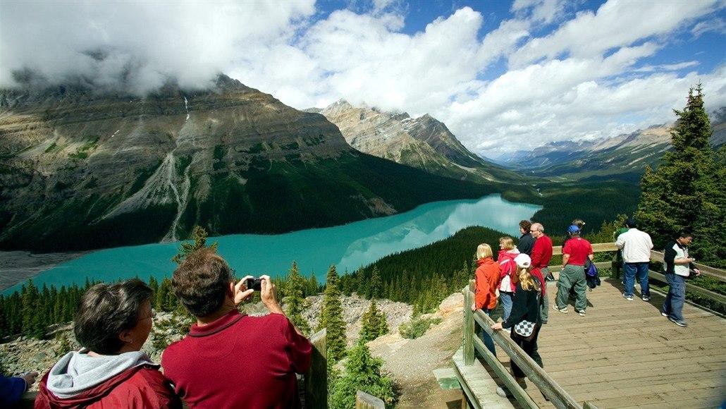 Jako v Adršpachu. Kanadské národní parky zápasí s návaly turistů
