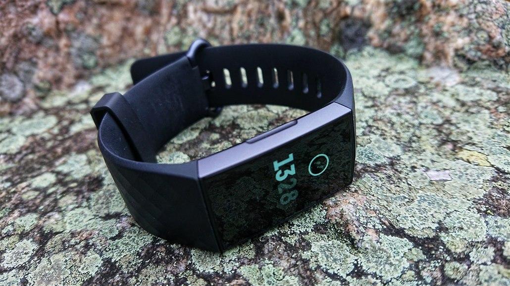 TEST: Fitbit Charge 3 překvapí přehledným displejem a novými funkcemi