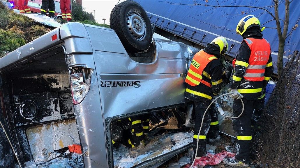 Řidič dodávky je viníkem nehody, při níž zemřeli čtyři Ukrajinci. Pátý žije