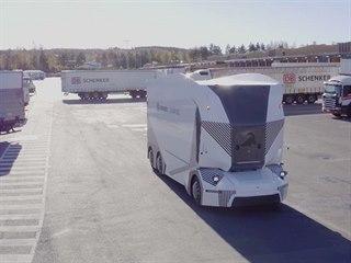 Autonomní elektrický nákladní vůz T-pod v akci na překladišti vJönköpingu