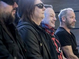 Členové kapely Lucie na tiskové konferenci k zahájení tour k nové desce...