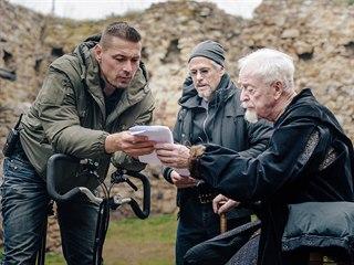 Michael Caine při natáčení českého filmu Jan Žižka