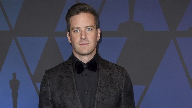 Armie Hammer na Governors Awards (Los Angeles, 18. listopadu 2018)