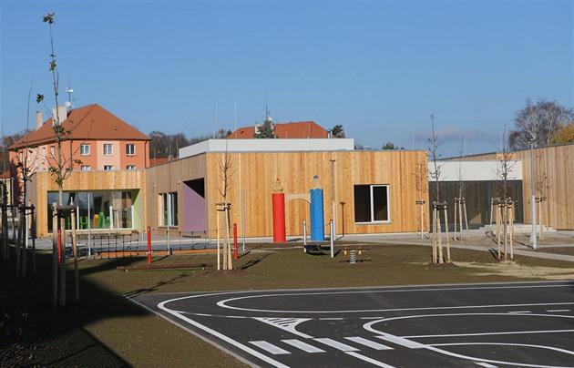 Kdo postaví školku? Radnice přesouvají budování vybavenosti na developery